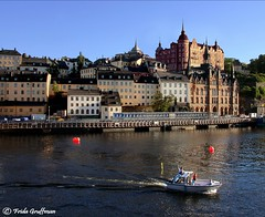 Happy weekend:) (~Frida*~) Tags: old houses light sea water skyline architecture buildings island evening boat town afternoon waterfront sweden stockholm södermalm july frida medieval 2010 mariaberget gruffman