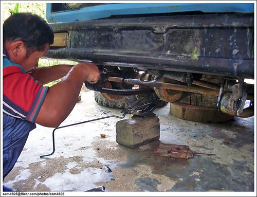 Repairing Suzuki SJ410