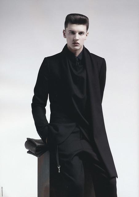 Oleg Antosik5004_Dior Homme FW10-11 Campaign(Fashion News Men's157_2010_09)