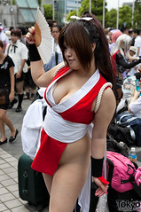 Comiket 78 Cosplay (tokyofashion) Tags: anime cute japan comics japanese tokyo costume cosplay manga fury fatal 2010 comiket maishiranui japanesecosplay fatalfury2 comiket78