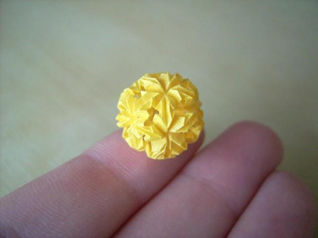Floreuskugel aus 30 Elementen, jedes 9mm