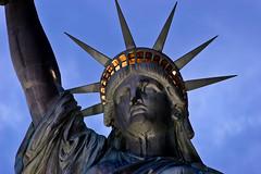 [フリー画像] 芸術・アート, 彫刻・彫像, 自由の女神, アメリカ合衆国, ニューヨーク, 201008231300