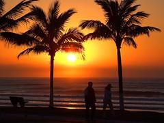 Caminhada (Mauricio Portelinha) Tags: sol praia guaratuba