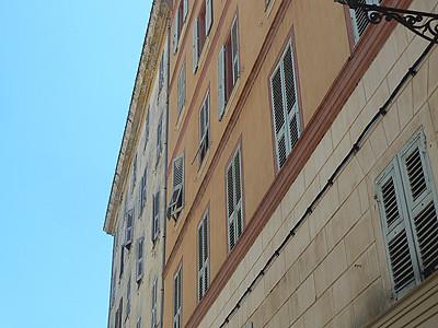 façades de Bastia.jpg