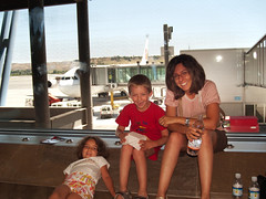 """Aeroporto Madrid • <a style=""""font-size:0.8em;"""" href=""""https://www.flickr.com/photos/21727040@N00/4911694586/"""" target=""""_blank"""">View on Flickr</a>"""