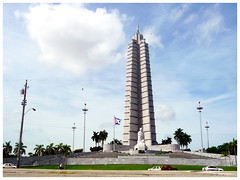 La plaza de la Revolucin sin Fidel (Felipe Glvez T.) Tags: cuba mojito revolucin cheguevara bodeguitadelmedio fidelcastro malecn lahabana habanavieja