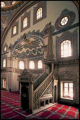 Nustretiye Mosque (Stefan G.) Tags: light red window architecture canon turkey carpet islam faith religion wideangle istanbul mosque ornament tradition camii minbar 1740mmf4 eos5dmkii