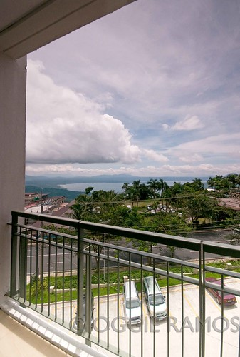 Tagaytay Summit Ridge Taal View
