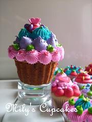 Mini giant cupcake for Birthday!! (Mily'sCupcakes) Tags: birthday color giant for cupcakes mini full cupcake ♥ milys