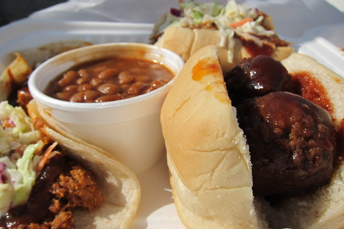 Smokin Willie's BBQ Truck: Meatball Slider, Beans, Tacos