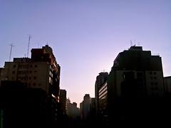 Everyday (Vitor Chiarello) Tags: street sky kodak dia céu everyday rotina motorala zn5