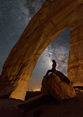 Silhouette (Wayne Pinkston) Tags: whitemesa whitemesaarch arche silhouette arizona nightsky nightlandscape nightphotography nightscape waynepinkston waynepinkstonphotocom lightcrafter lightcraftercom stars starrynight starscape milkyway galaxy cosmos theheavensstrophotography landscapeastrophotography widefieldastrophotography longexposure nikon