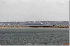 Queen Victoria sails between Cowes and Calshot, heading for Southampton (Bristol RE) Tags: queenvictoria imo solent calshot cowes isleofwight 9320556