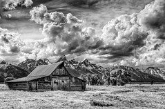 great clouds one day - Explore (Marvin Bredel) Tags: marvinbredel grandtetonnationalpark jacksonhole mormonrow antelopeflats jackson wyoming moultonbarn barn historic explore clouds dramatic