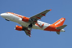 G-EZDW (IndiaEcho) Tags: easyjet airbus u2 ezy gezdw venice venezia special livery a319london gatwick international airport airfield lgw egll civil aircraft aeroplane aviation jet airliner crawley sussex england blue sky air take off canon eos 1000d