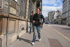 Rue Jeanne d'Arc - Rouen (France) (Meteorry) Tags: street boy people urban france june europe pavement candid centre center sneakers nike sidewalk rouen airmax homme trottoir 2010 mec passant garcon seinemaritime piton meteorry hautenormandie skets ruejeannedarc nikeairmaxclassics