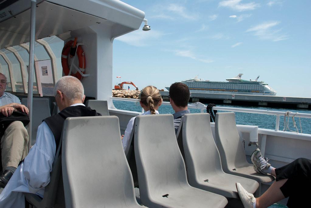 the boat toward Île Saint-Honorat