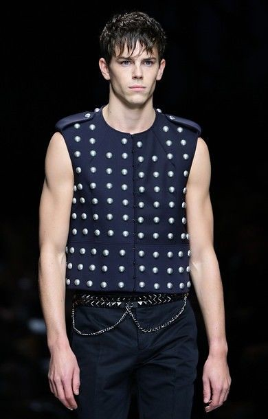 Jeremy Young3225_SS11_Milan_Burberry Prorsum(daylife)