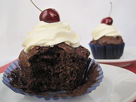 Chocolate Cherry Cupcake (Gluten-free, Sugar-free)
