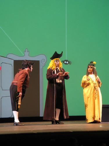 O Barbeiro de Sevilha (The Barber of Seville), by Rossini. Stage concept and direction: Pier Francesco Maestrini; graphic concept and animation: Joshua Held