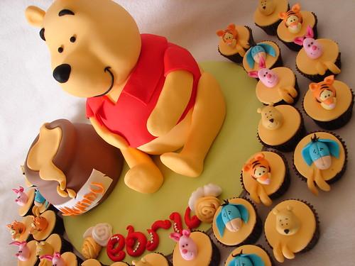 Pooh Bear cupcakes