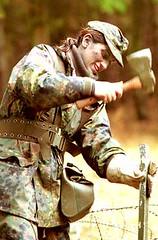 Aufbau (Military Ingrid) Tags: woman female soldier army uniform military feld camo flecktarn german frau bundeswehr militrisch soldatin manver