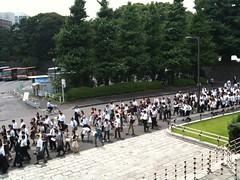 武道館への道(行列)
