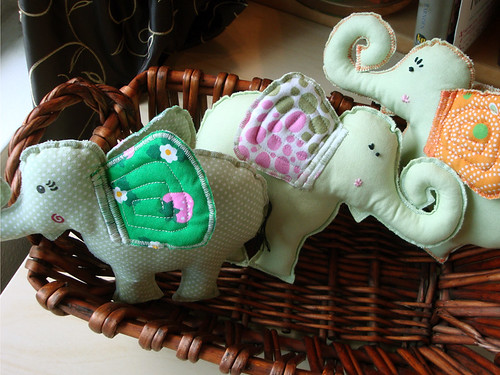 elephants_basket1