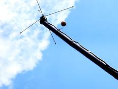 sky floatr (dmixo6) Tags: summer ontario canada colour angle july cottagecountry diagonal heat muskoka 2010 dmixo6