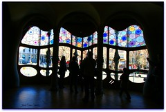 Finestra de la sala principal, Casa Batll, Barcelona (Jess Cano Snchez) Tags: barcelona espaa window canon ventana spain modernism catalonia unesco finestra gaudi catalunya casabatllo modernismo catalua modernisme barcelones eos20d passeigdegracia espanya eixample ensanche efs102