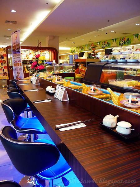 Sushi Bar Cum Boat