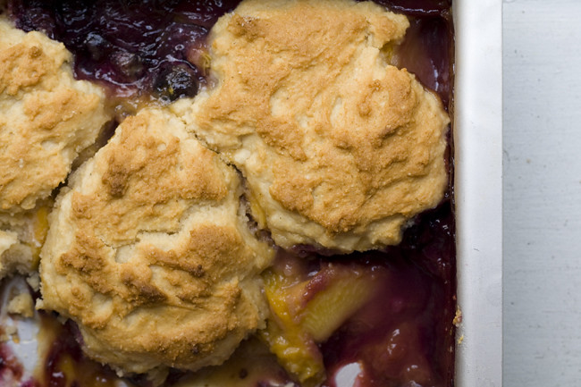 peach blueberry cornmeal biscuit cobbler