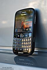 DSC_5149 (mb604) Tags: blackandwhite blackberry smartphone jdm trackball acuransx hondansx nikond60 bold9000 miguelbagara researchandmotion