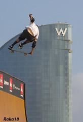 Hotel VV (Raka18) Tags: barcelona canon skateboarding barceloneta canoneos sk8 tonyhawk lagwagon nouseforaname nufan joeycape 450d tonysly canonistas canoneos450d tonyhawkfriends tonyhawkandfriends exhibicinskate