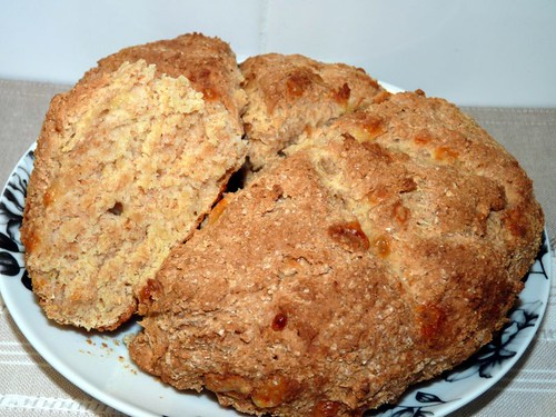 Cheesy mustard soda bread cut