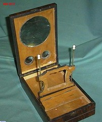 This design for the stereoscope enabled the stereographs to used a as popular form of entertainment.