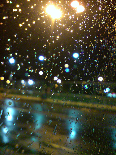 201006_09_01k - Droplets at Night