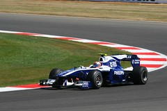 Nico Hulkenberg Williams FW32 Cosworth (Stu.G) Tags: uk england car corner canon t eos one is williams unitedkingdom 10 united northamptonshire bridgestone july kingdom f1 racing silverstone formulaone single formula 24 motor usm 70300mm nico formula1 ef motorracing fia v8 motorsport 2010 autosport cosworth carracing seater f456 luffield silverstonecircuit at canonef70300mmf456isusm singleseater 400d williamscosworth canoneos400d july2010 nicohulkenberg luffieldcorner hulkenberg fiaf1 ca2010 fw32 silverstonearenacircuit 9thjuly2010 fiaformulaone cosworthca2010v824 attwilliamsfw32cosworth williamsfw32cosworth