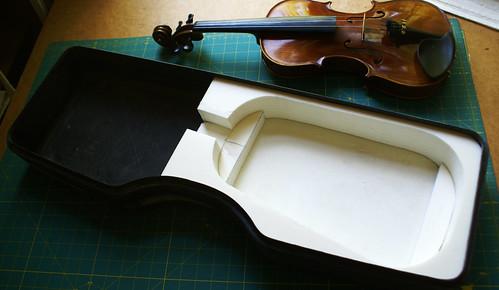 Calder red violin case interior