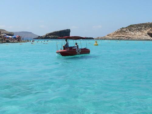 barca dels gelats al blue lagoon