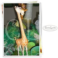 Madagascar - Melman (Cíntia Leitão - Artesanato e Presentes) Tags: topo de biscuit bolo festa madagascar decoração personagens melman lembrancinhas infantis