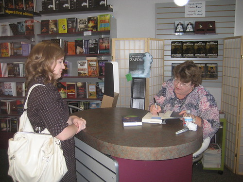 Charlaine Harris Signing my book