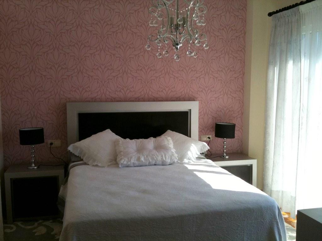 Mi dormitorio que coloco en la pared del cabecero for Decorar mi dormitorio