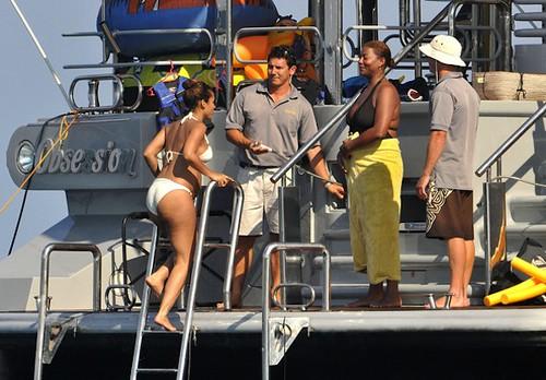 alicia-swizz-yacht-8
