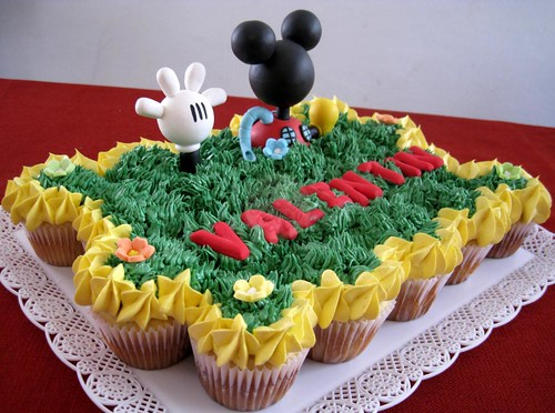 La casa de Mickey Mouse, torta de 20 cups regulares! - a photo on ...