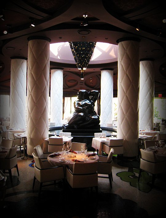 Botero Restaurant in Vegas dining room