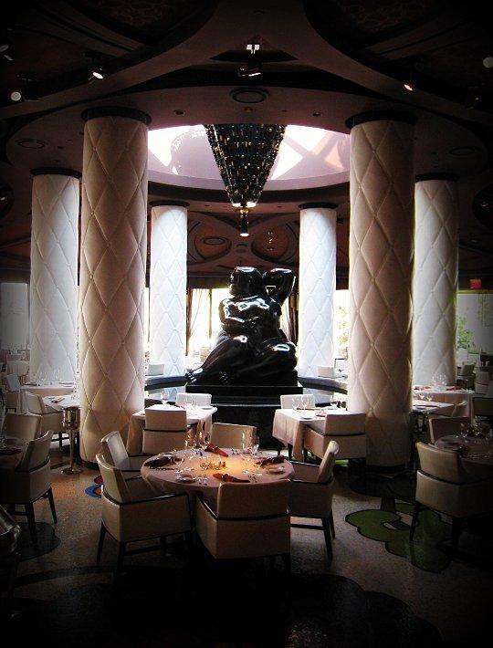 Botero Restaurant in Vegas dining room