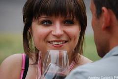 Paolo e Betty (massimo.iudicelli) Tags: girls donna occhi ritratto cuore amore viso vino bicchiere ragazza coppia emozione innamorata