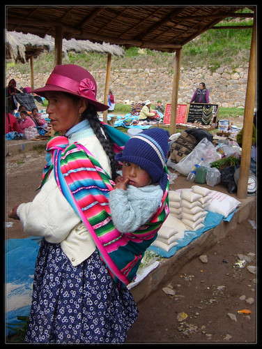 chinchero woman and baby