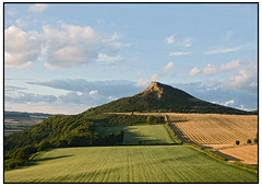 Roseberry & Corn Dry brush Flickr (0Hammer64) Tags: sunset clouds canon corn cornfield shadows bluesky greatayton northyorkshire 500d roseberrytopping drybrushed canoneos500d 0hammer64